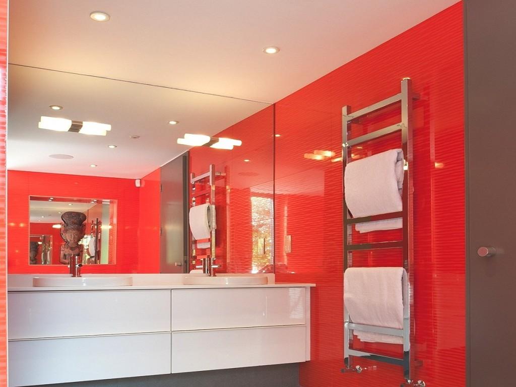 красно бело черная ванная комната фото