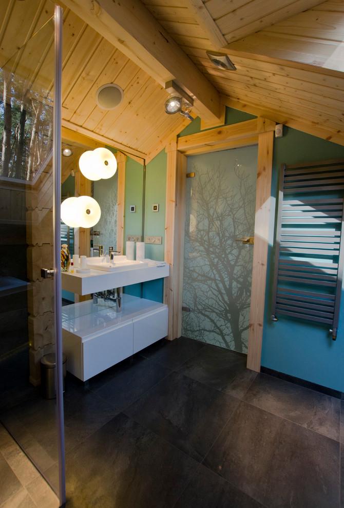 Ванная комната в деревянном доме фото