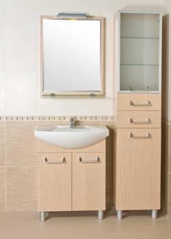 Пенал и зеркало для ванной
