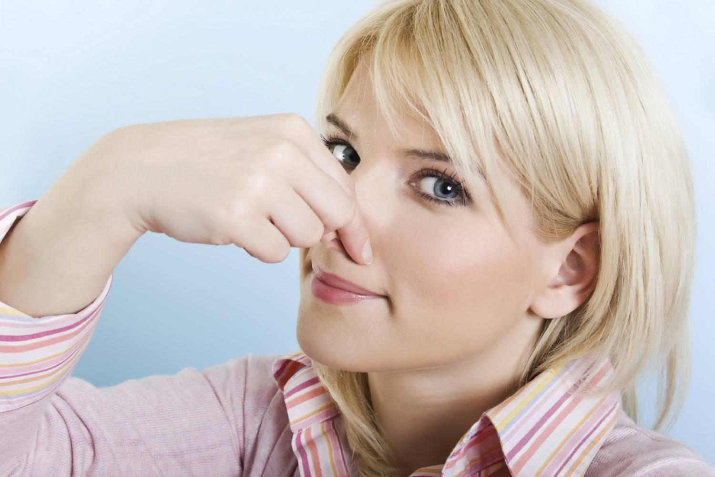 как устранить запах из канализации в ванной и туалете