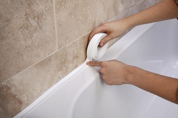 бордюрная лента для ванной как клеить углы
