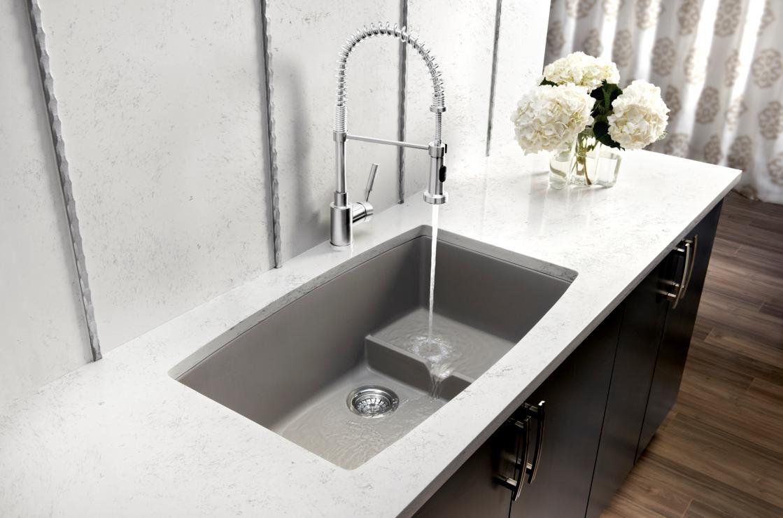 Встраиваемая раковина на столешницу для ванной