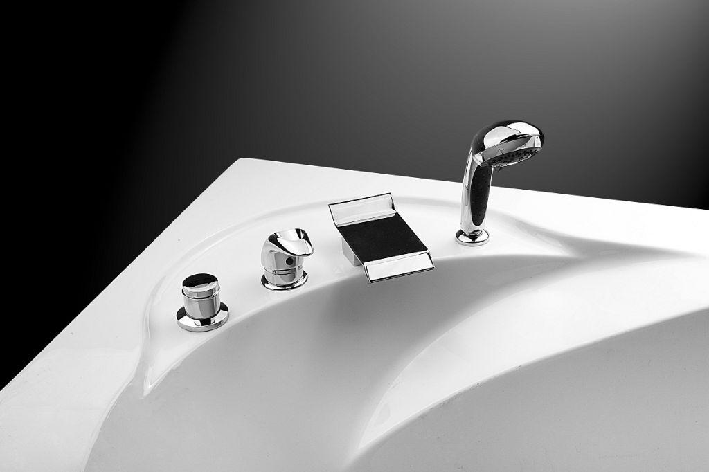 Врезной смеситель на борт ванны Pikkolo на 4 элемента