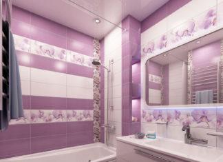 Ванная комната с сиреневой плиткой и с плиткой в цветочек