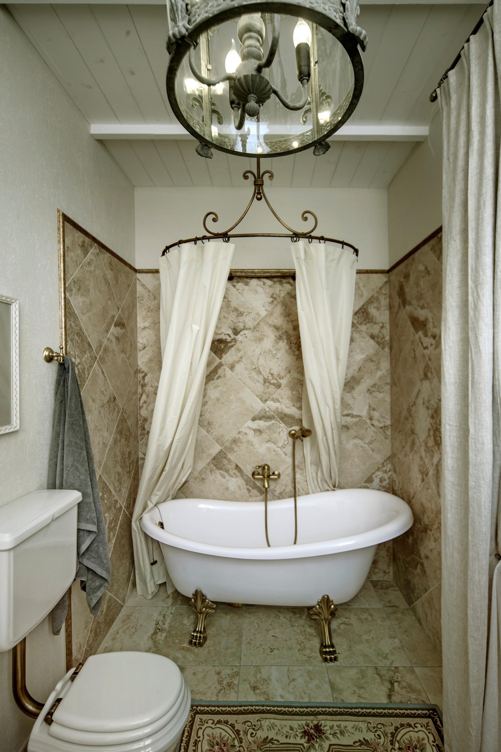 Каждая деталь - декор. Ванная в стиле прованс с полукруглой шторкой