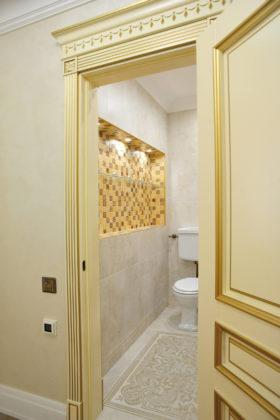 Туалет в классическом стиле