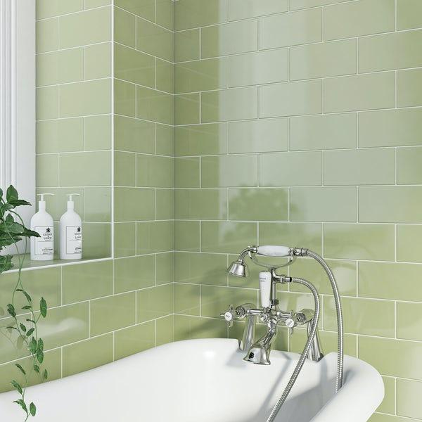 Ванная в бледно-фисташковом цвете